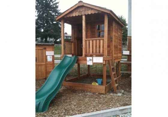 sunflower 6 x 9 playhouse with sandbox by outdoor living
